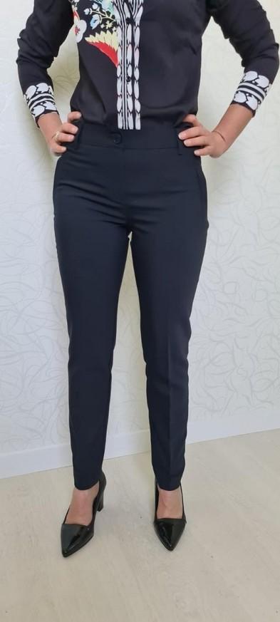 Дамско панталон в тъмно син цвят